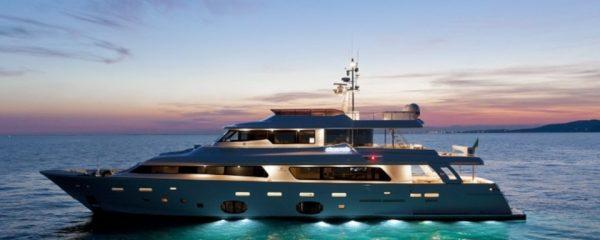 rental-boat-in-italy